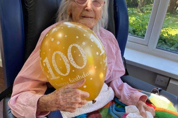 Chollacott House - 100 birthday!