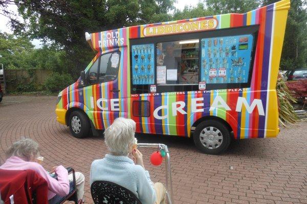 The Manor - Ice Cream Van visit